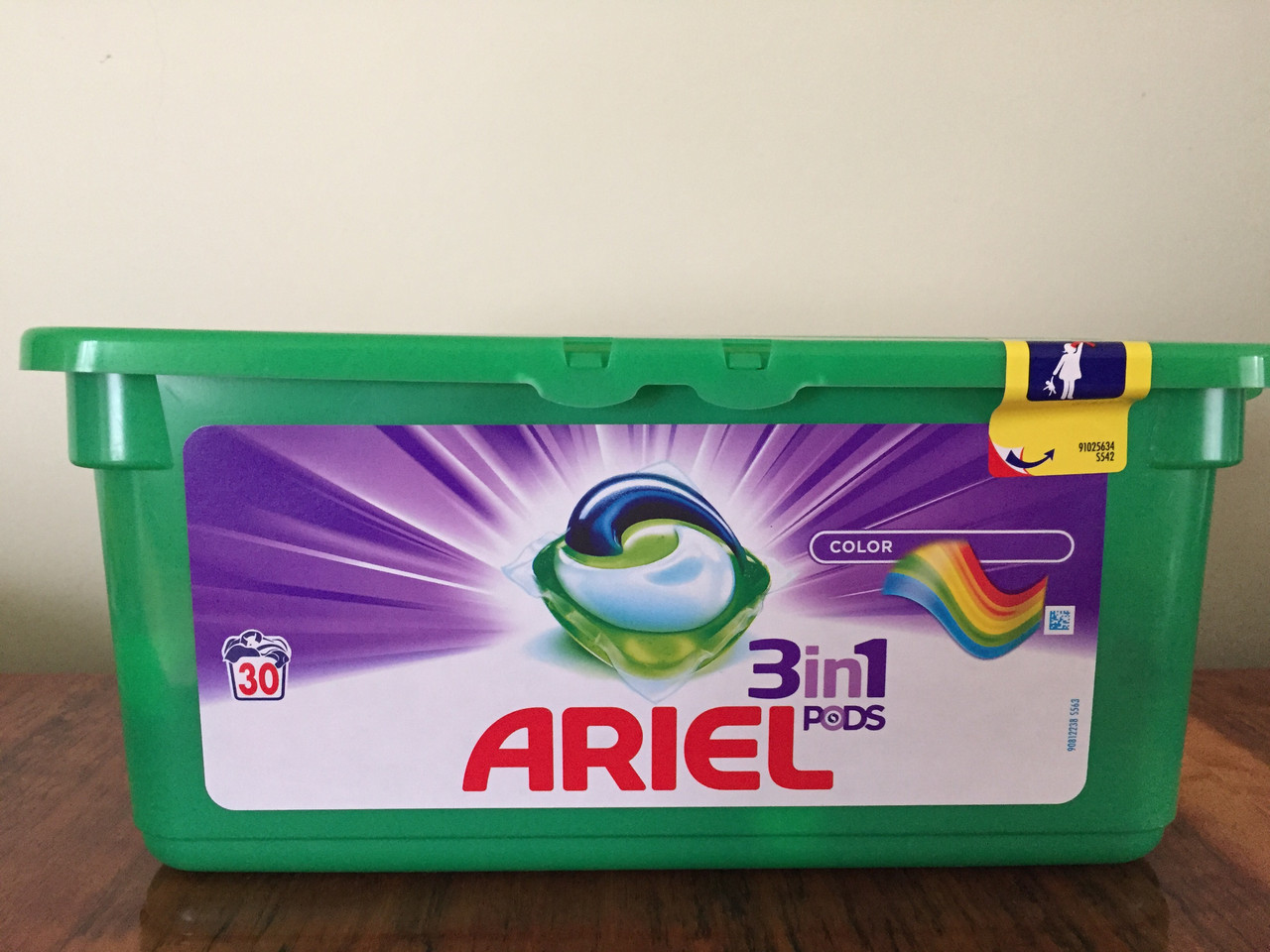 ARIEL 3in1 PODS COMPACT COLOR 30 dávek